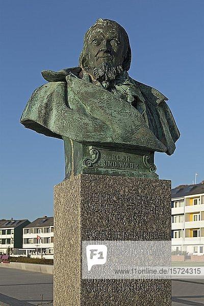 Statue von Heinrich Hoffmann von Fallersleben  Helgoland  Schleswig-Holstein  Deutschland  Europa