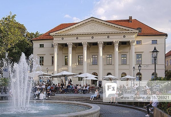 Haus der Musik im Präsidialpalais am Bismarckplatz  Regensburg  Oberpfalz  Bayern  Deutschland  Europa