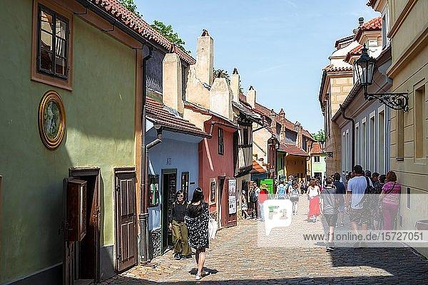 Goldenes Gässchen  Zlatá uli?ka  Prager Burg  Prag  Böhmen  Tschechien  Europa