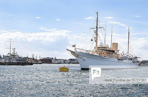 Königsyacht Dannebrog im Hafen  Kopenhagen  Dänemark  Europa