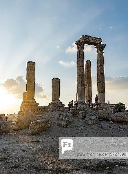 Herkulestempel  Sonnenuntergang  Zitadelle von Amman  Amman  Jordanien  Asien