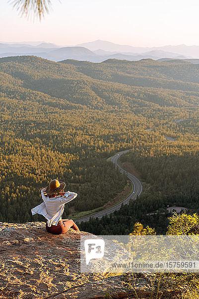 Woman enjoying sunset  Payson  Mogollon Rim  Arizona  United States