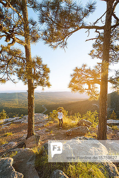 Woman enjoying sunset  Payson  Mogollon Rim  Arizona  United States