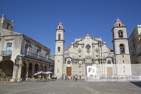 Cathedral de San Cristobal  Plaza de la Cathedral  Old Town  UNESCO World Heritage Site  Havana  Cuba  West Indies  Caribbean  Central America