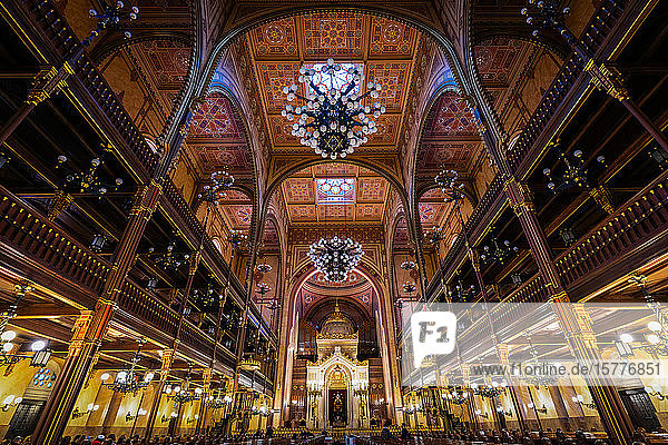 Interior of the Dohany Street Synagogue  Budapest  Hungary  Europe