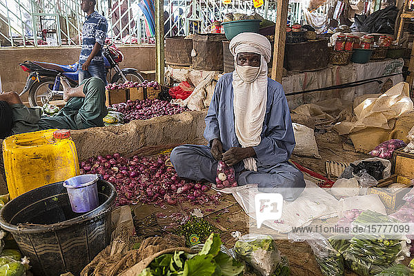 Vegetables for sale in the Central market of Agadez  Niger  West Africa  Africa