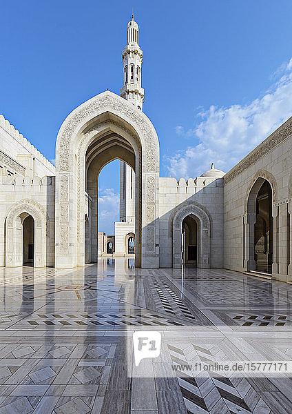 Große Sultan-Qabus-Moschee in Maskat  Oman Große Sultan-Qabus-Moschee in Maskat, Oman
