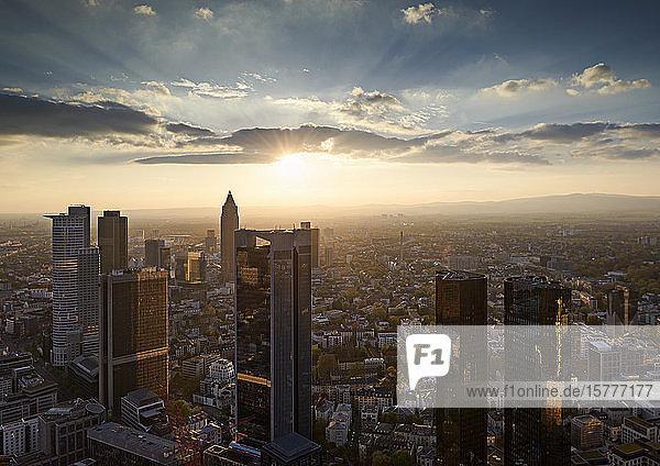 Frankfurt  Hessen  Stadtzentrum  Sonnenuntergang