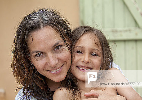 Mutter mit Tochter  Porträt