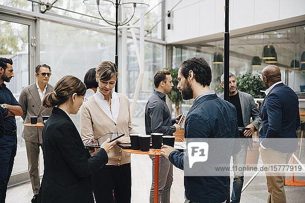 Unternehmer und Unternehmerinnen im Gespräch im Amt