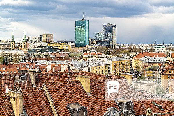 Blick auf die Skyline von der Altstadt  Warschau  Polen