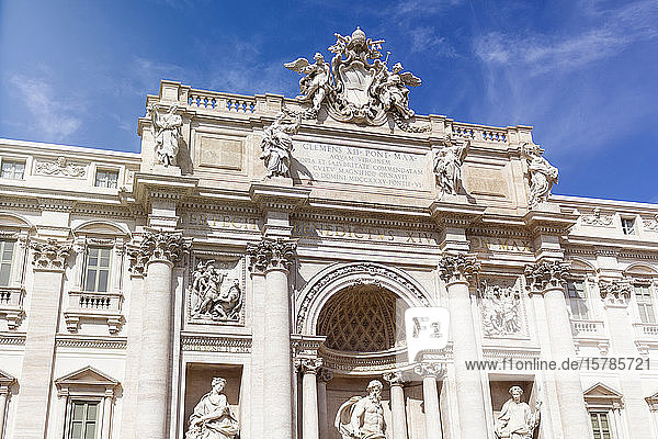 Italien  Rom  Tiefblick auf den Trevi-Brunnen