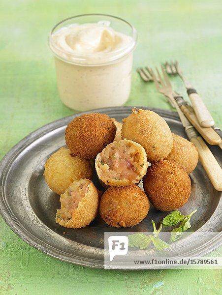 Croquetas de patatas / potato croquettes