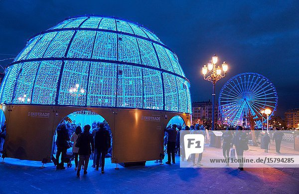 Ferris wheel  Christmas lights  Alderdi Eder Park  Donostia  San Sebastian  Gipuzkoa  Basque Country  Spain  Europe
