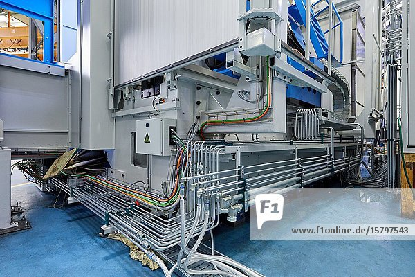 Hydraulic and electrical installation  Machining Centre  CNC  Turning and Milling lathe. Design  manufacture and installation of machine tools  Metal industry  Mechanical workshop