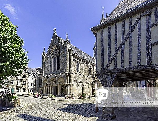 Basilika Saint Sauveur  Dinan  Département Côtes-d?Armor  Frankreich  Europa