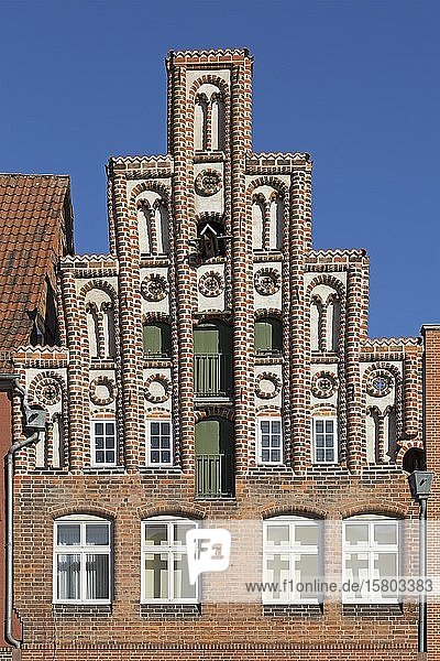 Historischer Giebel in der Altstadt  Lüneburg  Niedersachsen  Deutschland  Europa
