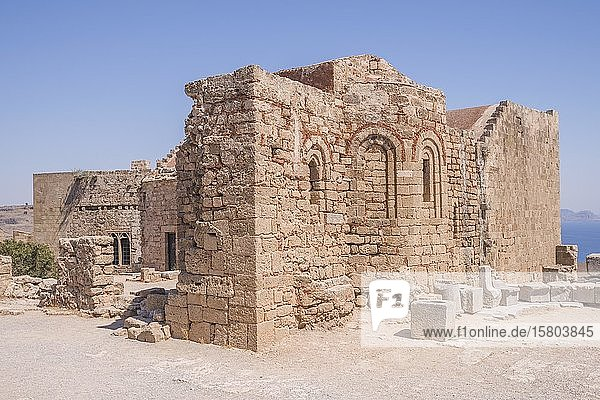 Kirche St. Johannes auf der Akropolis von Lindos  Rhodos  Griechenland  Europa