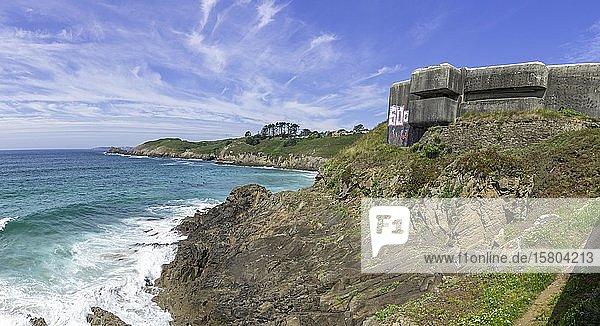 Bunker aus dem 2. Weltkrieg beim Phare du Petit Minou  Plouzané  Département Finistère  Frankreich  Europa