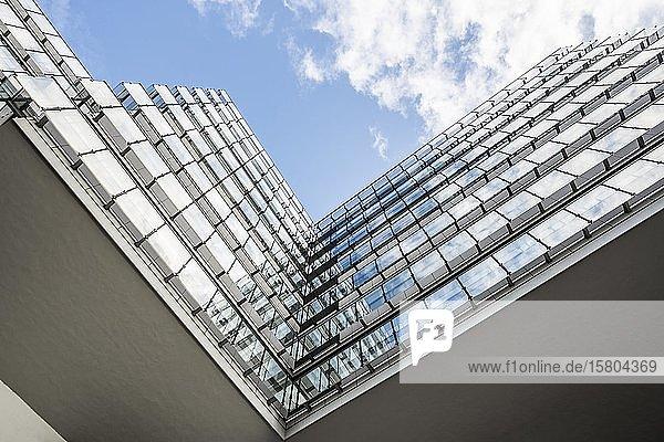 Modernes Bürogebäude  GENO-Haus  Sitz des Baden-Württembergischer Genossenschaftsverbands  Stuttgart  Baden-Württemberg  Deutschland  Europa