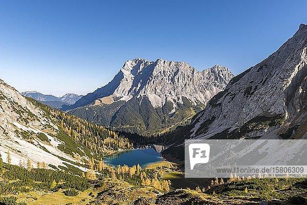 Blick auf Seebensee von der Ehrwalder Sonnenspitze  Ehrwald  Mieminger Kette  Tirol  Österreich  Europa
