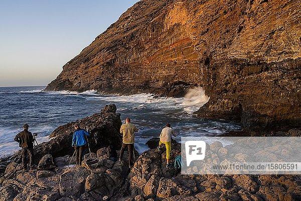 Fotografen an der Westküste von La Palma  La Palma  Kanaren  Spanien  Europa
