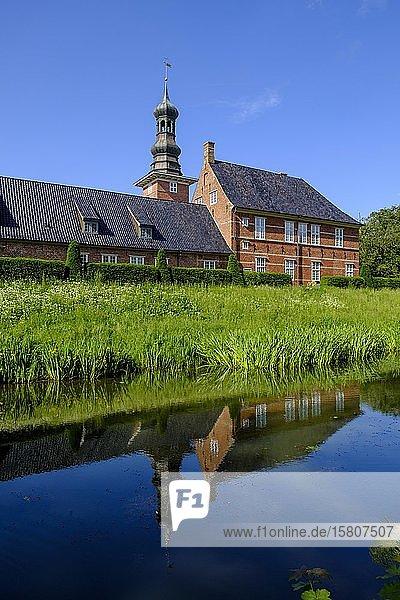 Schloss vor Husum  Wasserschloß  Husum  Nordfriesland  Schleswig-Holstein  Deutschland  Europa