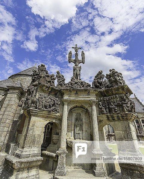 Kalvarienberg der Kirche von Guimiliau  Département Finistère  Frankreich  Europa