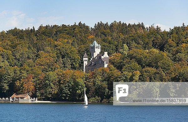 Schloss Seeburg bei Allmannshausen  Starnberger See  Fünfseenland Oberbayern  Bayern  Deutschland  Europa