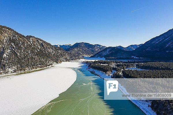 Isar  Zufluss zum Sylvensteinsee  Luftaufnahme  Lenggries  Isarwinkel  Oberbayern  Bayern  Deutschland  Europa
