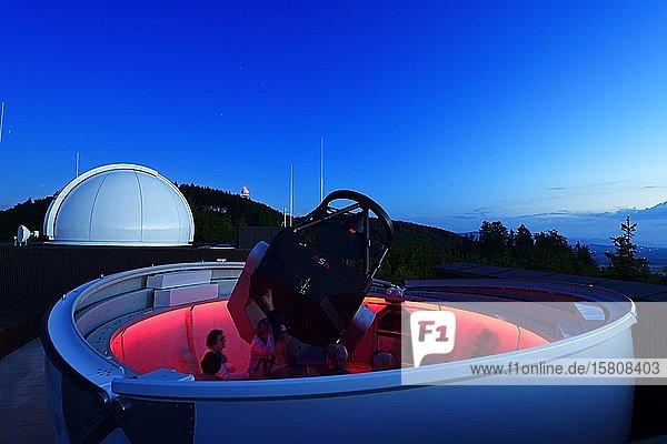 Teleskop der Vega Sternwarte im Haus der Natur am Haunsberg  Obertrum  Salzburger Seenland  Salzburger Land  Österreich  Europa