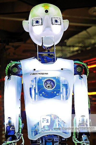 Der humanoide Roboter RoboThespian in der Arbeitswelt Ausstellung DASA  Dortmund  Ruhrgebiet  Nordrhein-Westfalen  Deutschland  Europa