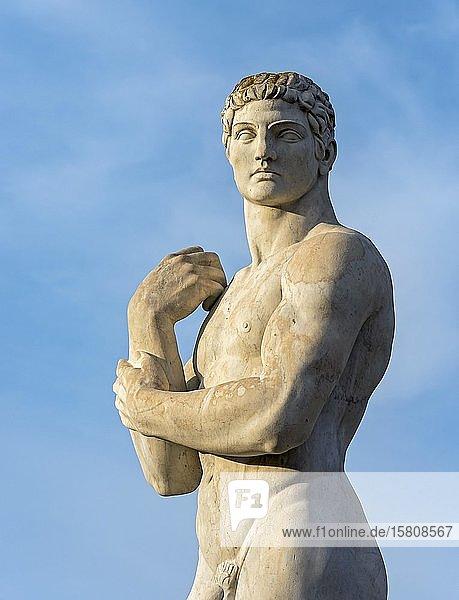 Athletenstatue im Stadio dei Marmi  Foro Italico  Rom  Italien  Europa