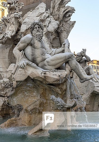 Skulptur am Vierströmebrunnen  Fontana dei Quattro Fiumi  Piazza Navona  Rom  Italien  Europa