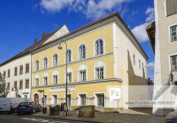 Geburtshaus von Adolf Hitler  Braunau am Inn  Innviertel  Oberösterreich  Österreich  Europa