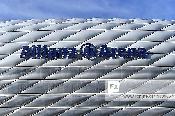 Logo  Allianz Arena  München  Bayern  Deutschland  Europa