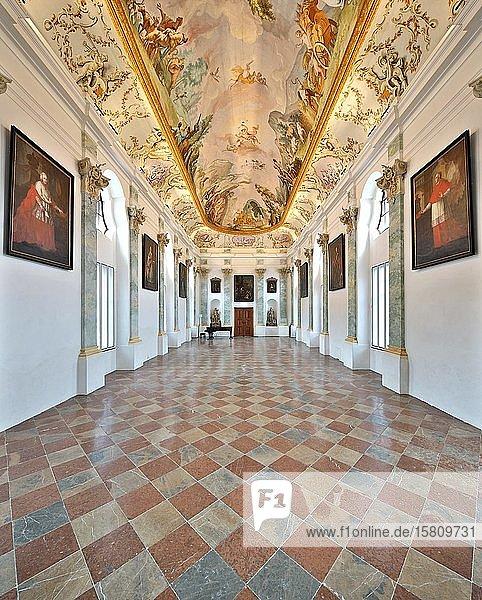 Festsaal im Kloster Raitenhaslach  Saal Steinern  Aula Maior  Burghausen  Oberbayern  Bayern  Deutschland  Europa