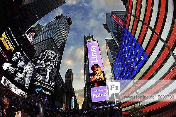 Leuchtreklamen am Times Square  Manhattan  New York City  USA  Nordamerika