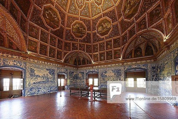Saal der Hirsche mit Azulejos  Palacio Nacional de Sintra  Sintra  Portugal  Europa