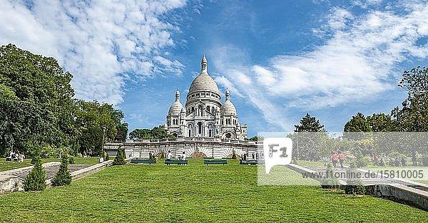 Basilika Sacré-C?ur  Square Louise-Michel  Montmartre  Paris  Frankreich  Europa