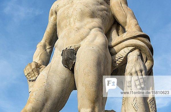 Athletenstatue mit Feigenblatt im Stadio dei Marmi  Foro Italico  Rom  Italien  Europa