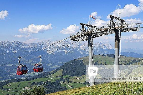 Gondelbahn von Söll auf die Hohe Salve  Hopfgarten  Brixental  Kitzbüheler Alpen  Tirol  Österreich  Europa Gondelbahn von Söll auf die Hohe Salve, Hopfgarten, Brixental, Kitzbüheler Alpen, Tirol, Österreich, Europa