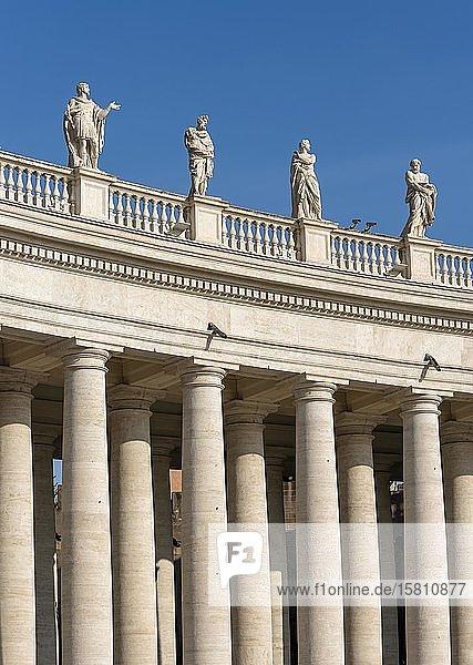 Bernini Kolonnade  Petersplatz  Vatikan  Rom  Italien  Europa
