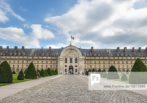 Eingang zum Invalidenheims  Hotel des Invalides  Paris  Île-de-France  Frankreich  Europa