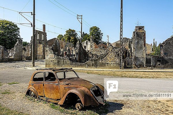 Oradour sur Glane  die im Zweiten Weltkrieg zerstörten Dorfruinen 10. Juni  Département Haute-Vienne  Nouvelle Aquitaine  Frankreich  Europa