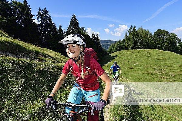 Mountain bikers on the Möslalmkogel  Wörgl Kitzbühel Alps  Tyrol  Austria  Europe