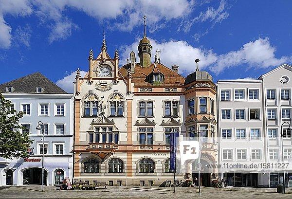 Rathaus am Stadtplatz  Braunau am Inn  Innviertel  Oberösterreich  Österreich  Europa