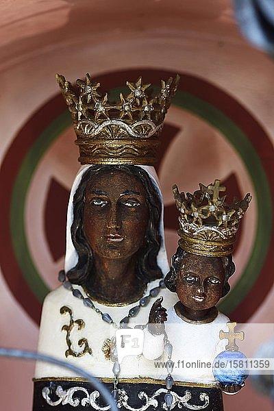 Schwarze Madonna der Wallfahrtskirche Mariastein  Wörgl  Kitzbüheler Alpen  Tirol  Österreich  Europa