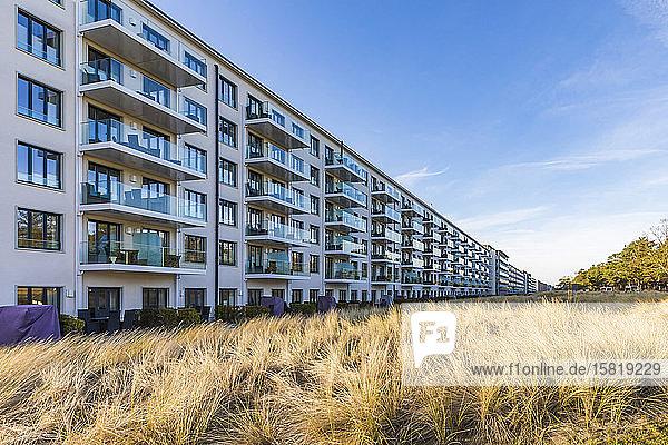 Deutschland  Mecklenburg-Vorpommern  Insel Rügen  Binz  Landkreis Prora  Koloss von Prora  Mehrfamilienhäuser