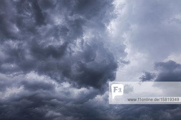 Italien  Graue Sturmwolken